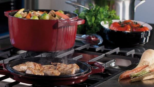 Proč lidé milují litinové nádobí?